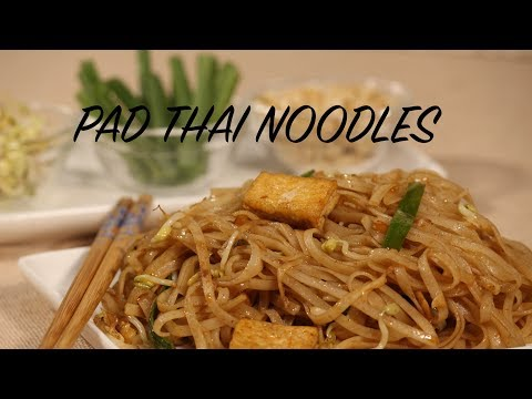 VEGETARIAN PAD THAI NOODLES || PAD THAI WITHOUT FISH SAUCE