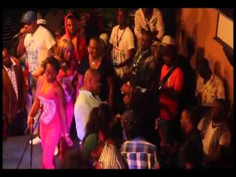 Ted Tendai arrête le temps au concert de JB Mpiana