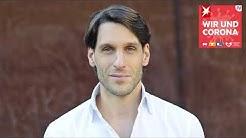 """Podcast """"Wir und Corona"""", Folge 29: Wer ist anfällig für Verschwörungstheorien, Professor Hübl?"""