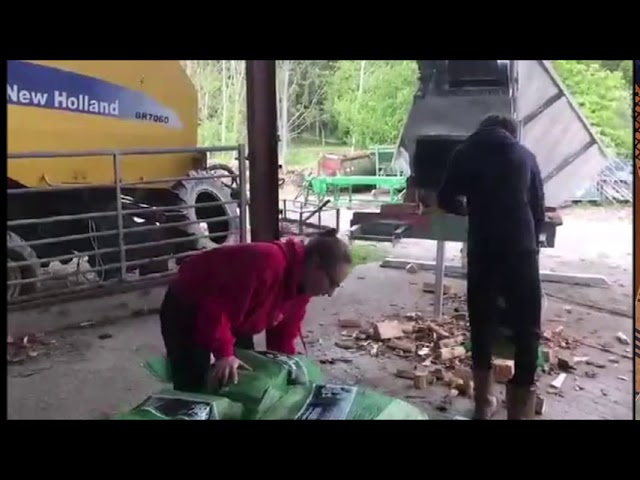 Eazi Pak Midi - Firewood Bagging Machine