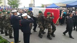Obsèques d'Alain Bertoncello: la haie d'honneur des commandos.
