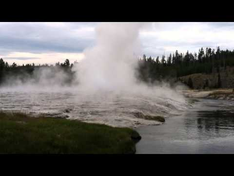 Oblong Geyser Yellowstone Park