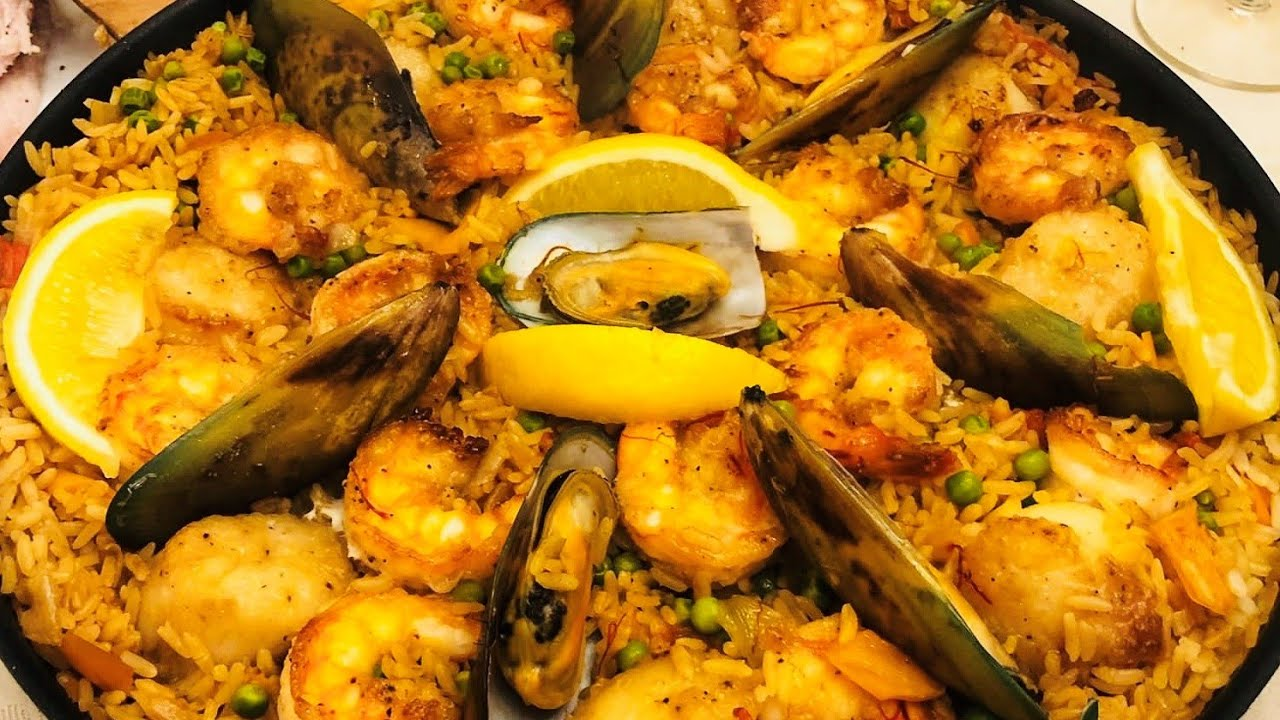Paella with Chicken & Seafood