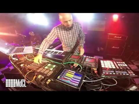 Mark de Clive-Lowe live remixing Whitney Houston