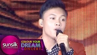 "Gambar cover Rizky Febian "" Sorry "" - Sunsilk Colour Your Dream Concert (20/5)"