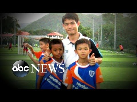 Community rallies behind Thai soccer coach after rescue