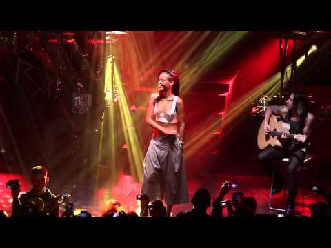 777 Tour Diary: Nuno Talks + Plays Rihanna Acoustic Set