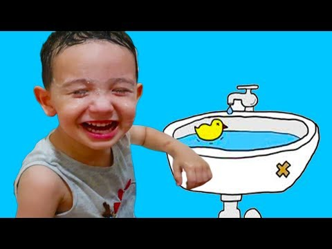 Ali Uras Yüzüne Çikolata Bulaştırmış. Yüzünü Yıkarken Gözüne Sabun Kaçtı. Funny Kids Videos