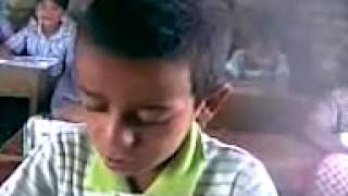 اشطر طالب تحشيش طفل عراقي.3gp