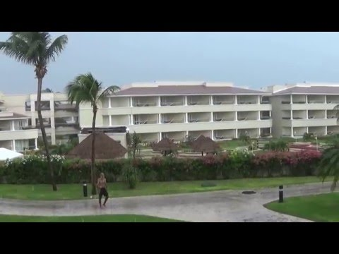 Destination Anand Karaj in Riviera Maya, Moon Palace Rain Storm