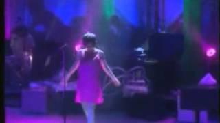 Björk - I Go Humble (Legendado)