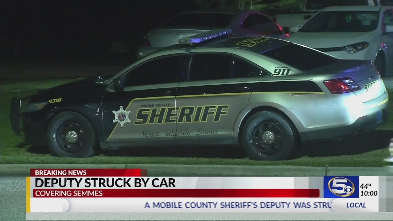 VIDEO: Mobile deputy hit by car