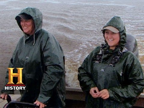 Swamp People: Liz and Jessica Catch a Catfish | History