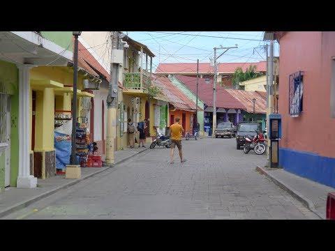 walking in Santa Elena Flores (Guatemala)