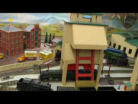 Hornby Dublo Roundhouse