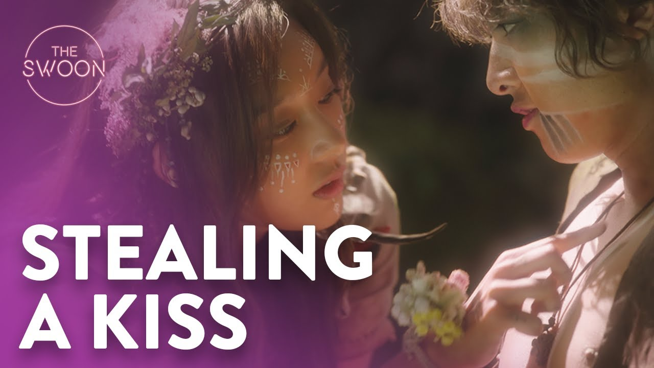 Download Song Joong-ki tries to steal a kiss from Kim Ji-won | Arthdal Chronicles Ep 2 [ENG SUB CC]