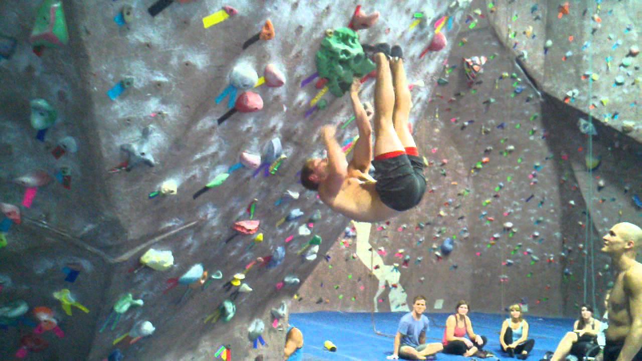 Bat Hang Problem At The Edge Rock Gym