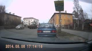 Упал рекламный щит(пр-т Невского,, 2014-05-06T15:59:05.000Z)