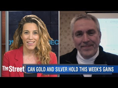 Money Flows Away from Bitcoin Back To Gold: Analyst