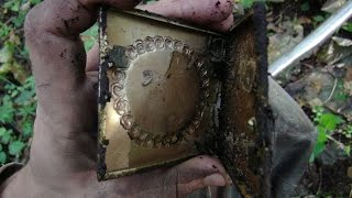 Золотой немецкий портсигар найден на металлоискатель, Раскопки Второй мировой