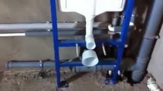 видео Подвесной унитаз с инсталяцией: выбор и монтаж