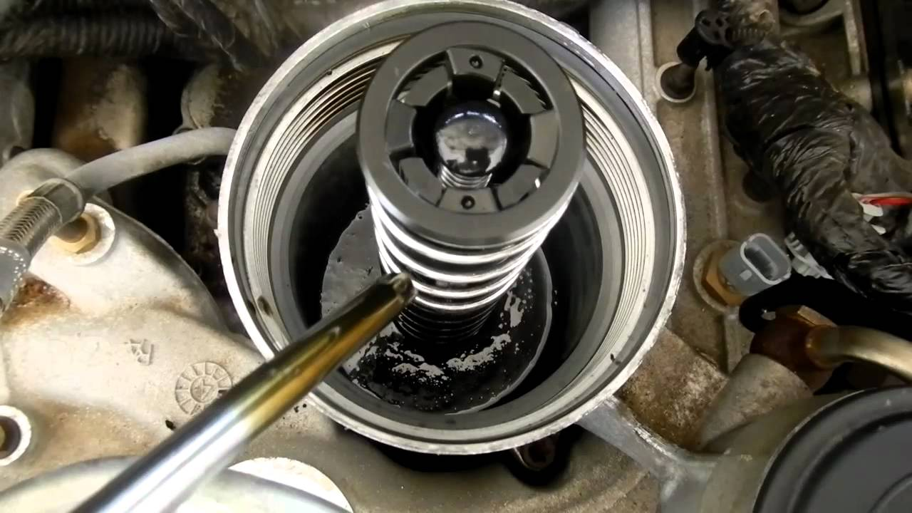 6 0 Powerstroke Low Pressure Oil Test Youtube