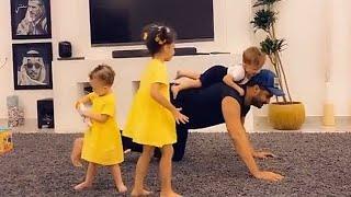 امين يلعب مع خلودي وليان وليليان 😍 شوفو ردة فعلهم 💜🙈