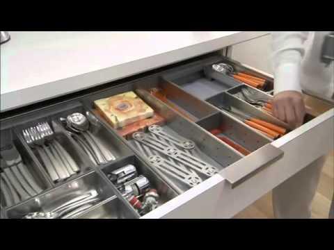 Установка кухни за 11 минут. Угловая кухня с фурнитурой Blum (Блюм .