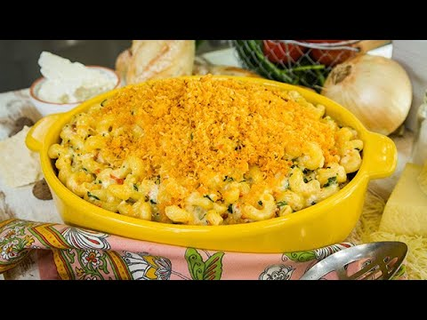 Healthy Greek Mac Cheese Casserole
