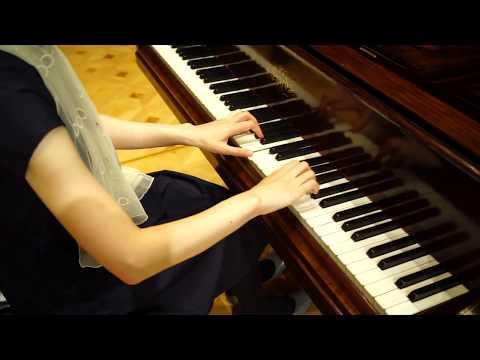 ピアニスト平井千絵、サントリーホールのエラールのピアノを弾く