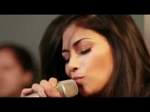 Nicole Scherzinger - Don't Hold Your Breath (Acoustic for Orange).mp4