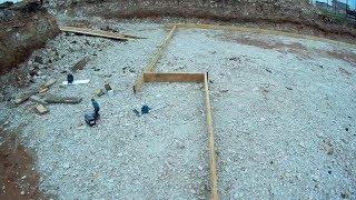 Строю себе дом #11. Установка опалубки для бетонной площадки