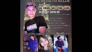 Download lagu SANG REVOLUSI MALAM