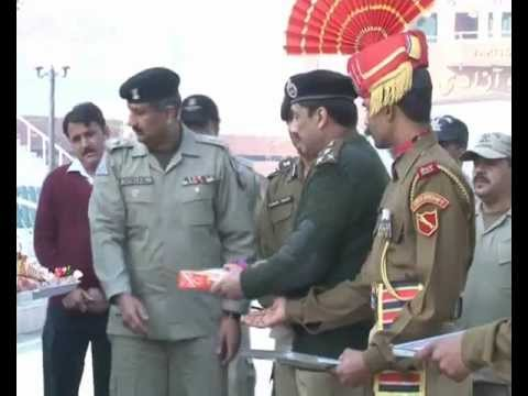 pakistani and indian soldiers exchange sweets