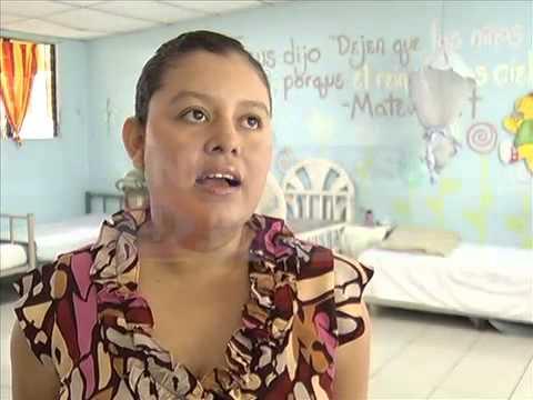 En El Salvador cada media hora una adolescente se convierte en madre (9 de Mayo 2014)