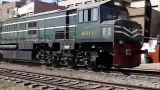 Ziyang Caterpillar hauling Mail/ Express trains of Pakistan Railways.