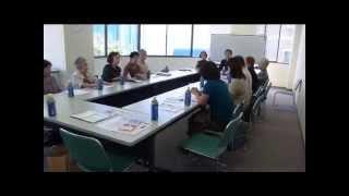福島市長選に立候補表明した小林かおるさんは、あるグループの会合で福...