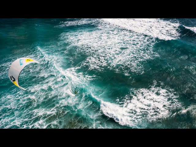 GKA KITE-SURF WORLD CUP | CAPE VERDE | DAY 4 | WAVE ACTION AT KITE BEACH