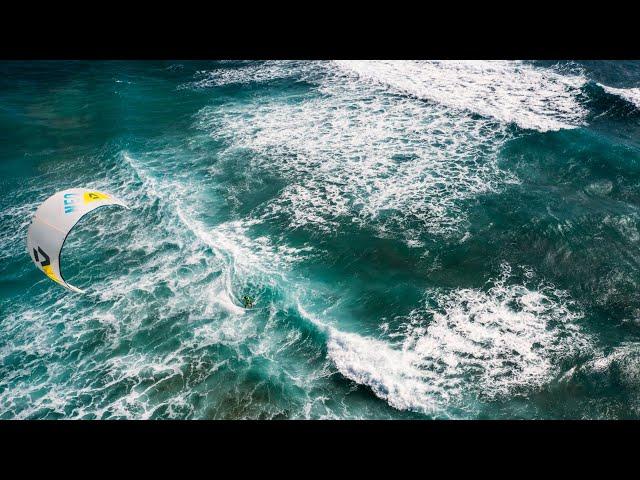 GKA KITE-SURF WORLD CUP   CAPE VERDE   DAY 4   WAVE ACTION AT KITE BEACH