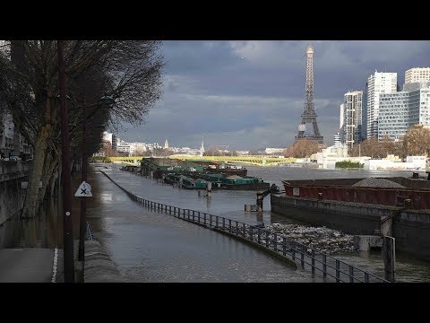 River Seine's level expected to stabilize, suburbs face more damage