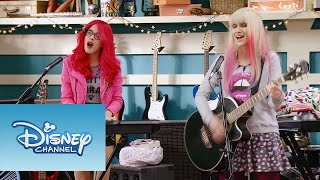 "Download Video Roxy y Fausta interpretan ""Underneath It All"" 