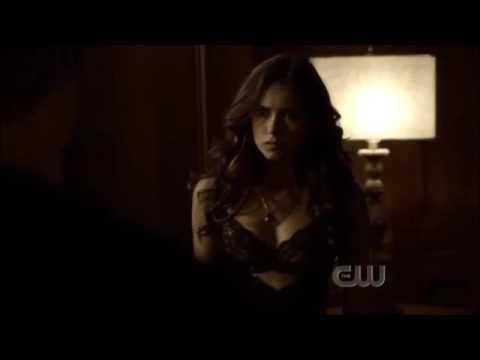 Damon Elena Hot Kissing
