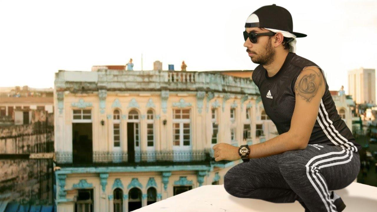 Enrique Iglesias   SUBEME LA RADIO (PARODIA/parody) ft. Descemer Bueno, Zion & Lennox EUGENIO DERBEZ