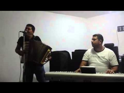 Balon de la Targoviste canta special pentru Valy de la Pitesti
