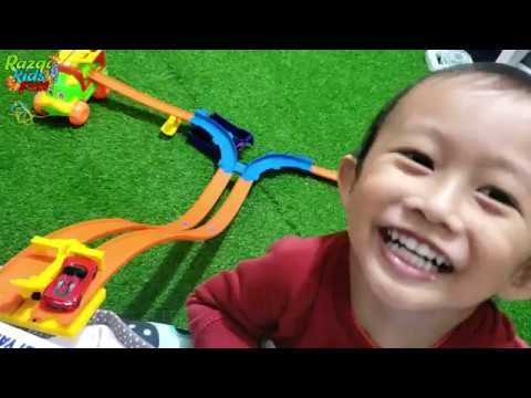 Unboxing Hot Wheels dan Main Mobil Mobilan Anjing | Drop Down Challenge Mainan Anak Indoor