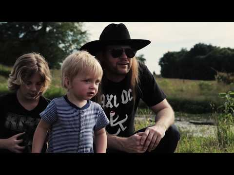 CHARLIE BONNET III (CB3) - Simple Shoes - OFFICIAL VIDEO