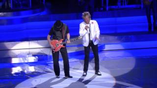 Rod Stewart & Santana Perform Live In Las Vegas