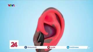 """Khủng hoảng """"điếc tai trước tuổi 40"""" tại Singapore   VTV24"""