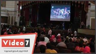 جامعة القاهرة تعرض فيلما لمواجهة الإرهاب قبل حفل تامر عاشور