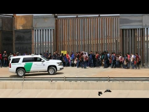 ترامب يقدم مشروعا لإصلاح نظام الهجرة يزيد حصة أصحاب الشهادات العليا  - 11:55-2019 / 5 / 17